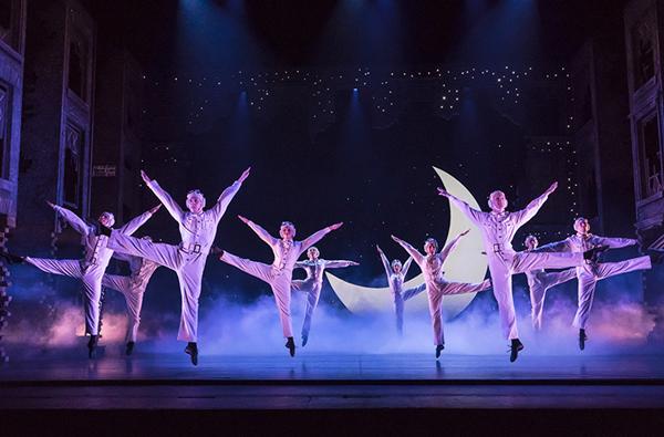 【上海站】马修·伯恩舞蹈剧场《灰姑娘》